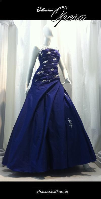 7367c286f295 Vestiti da sposa colorati BLU l abito da sposa PERFETTO per inguaribili  romantiche