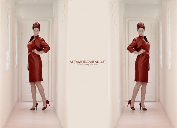 2137613e1c42 Rosso e sexy ecco gli ingredienti per l abito su misura perfetto